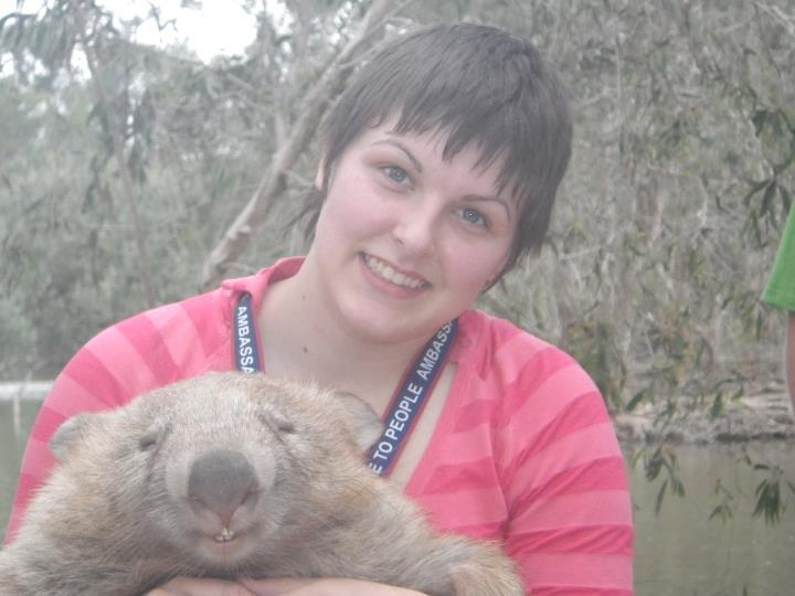 knight—of—blood:  THE WOMBAT IS MORE PHOTOGENIC THAN ME