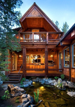 broken—winged—angel:  rainydaysandblankets:  Mountain Cabin, Lake Tahoe   Can I win the lotto and have this house… Please?!!!