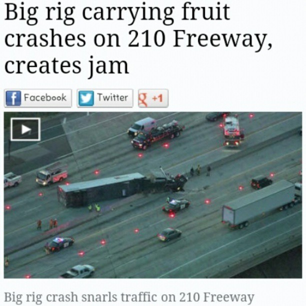 """And I hope you like jammin too"". Happened this morning #headline #puns #fruits #wejammin"