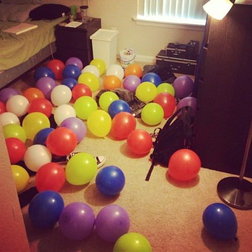 Woke up to a room full of balloons that apparently smell awful…I thought they smelled like strawberries :P @javawithcream