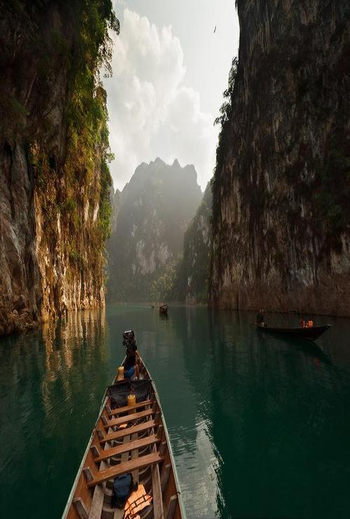 bluepueblo:  Canyon Lake, Thailand photo via adam