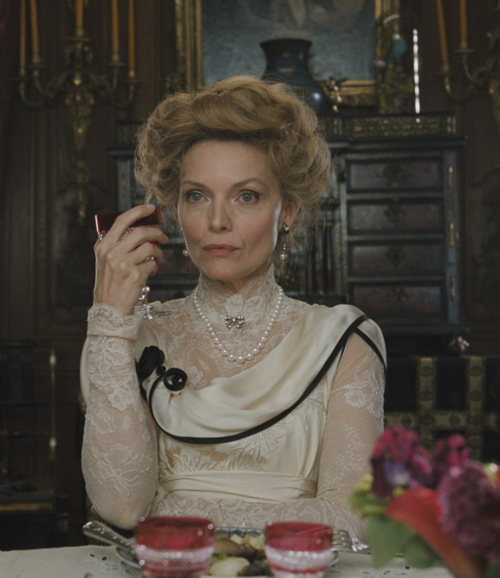 in-the-middle-of-a-daydream:   Michelle Pfeiffer as Lea de Lonval in Chéri (2009)
