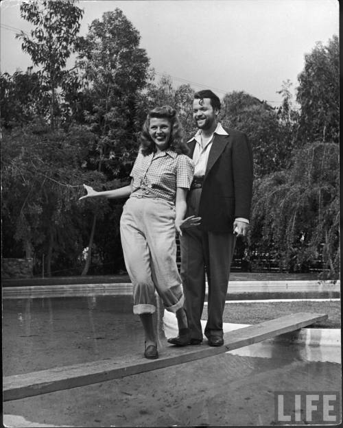 voxsart:  1945. Orson Welles, with wife Rita Hayworth.