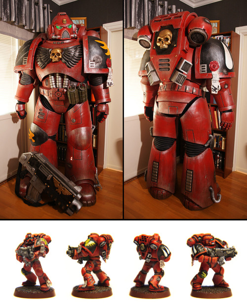 """Blood Angels Space Marine at LinCon 2013"" by Pilerud"