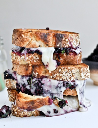 gettingahealthybody:  avictoriousfeast:  blackberry & gouda sandwiches. stop.  This is the bomb.