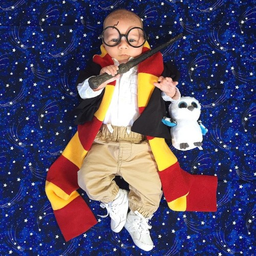 laughingsquid:  Parents Dress Their Cute Four-Month-Old Baby Boy Noah in a Different Costume Every Day Until Halloween