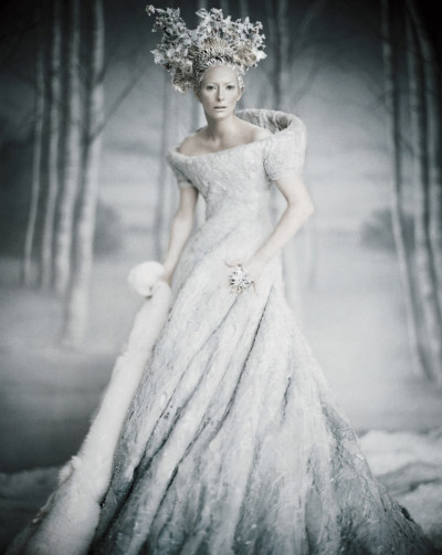 tilda-swinton-by-paolo-roversi-for-vogue-us