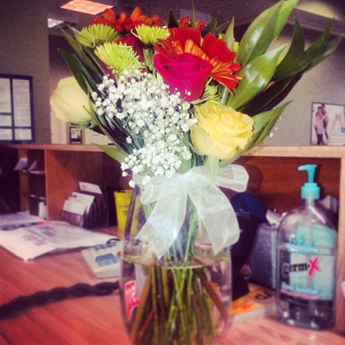 Awww.❤ Bringing me flowers at work. I'm so lucky! :) #bf #surprise #flowers #presents  #love 🌹