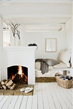 thedecorista:  bright, white and cozy…via