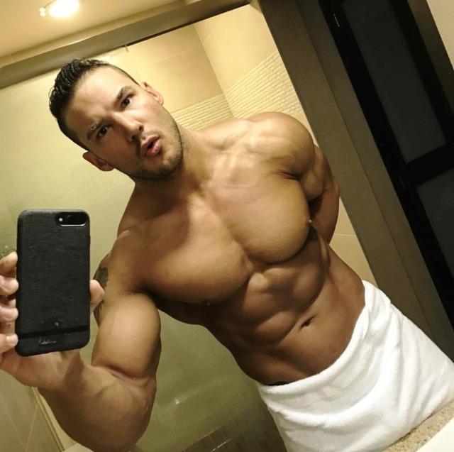 #selfie#muscle#swole#cut