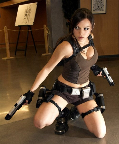 nerdy-girls-rock:  chicks with guns are badass