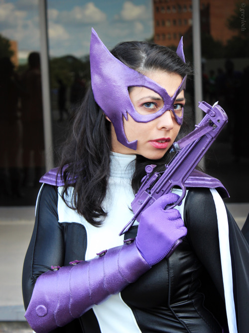 comicbookcosplay:  The Huntress Location: Dragon*Con 2012; Cosplayer: Margie; Photographer: Greyloch Submitted by greyloch