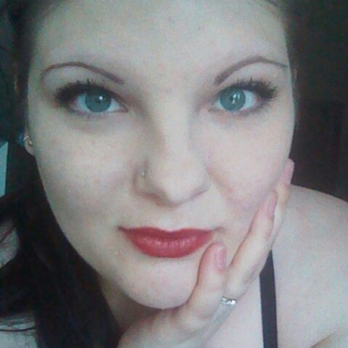 My eyes look weird coloured today. Oh well. #greeneyes  #green #eyes #redlips #lipstain #ring #pale #paleskin #poop