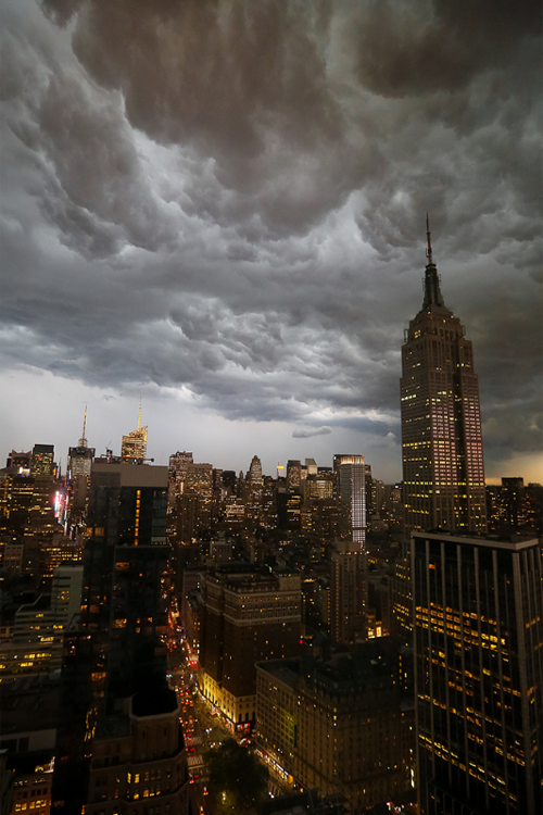 plasmatics-life:  STORM over Empire State Building, NYC | by Lisa Bettany