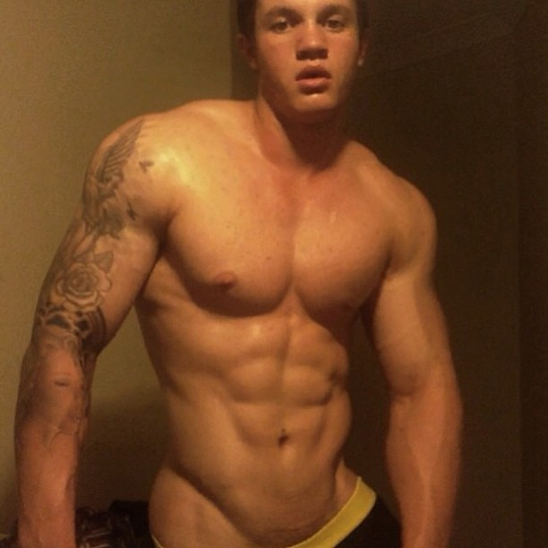 No words needed. @daveegriffin #follow #this #hunk #fitbufflads