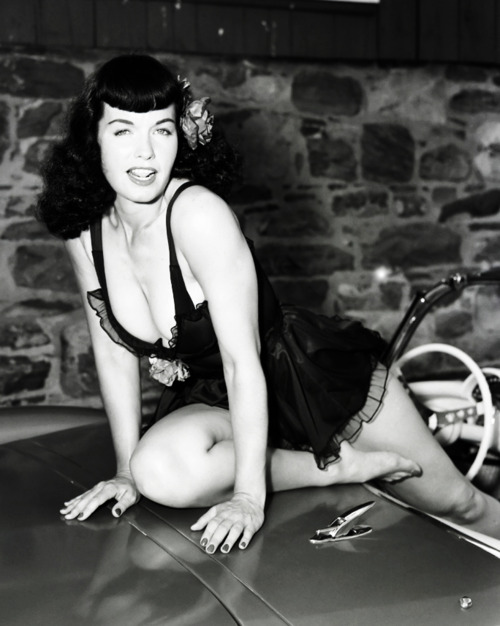 Bettie Page photographed by Arnold Kovacs c. 1950s
