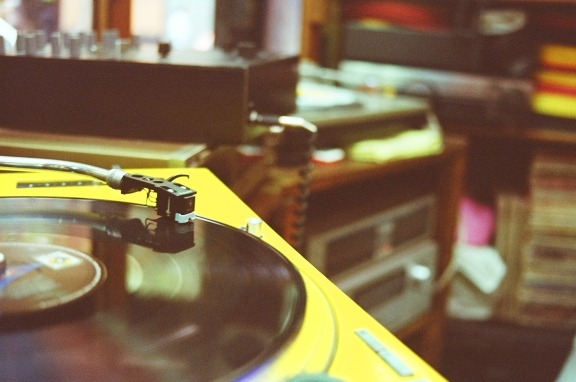 lomographicsociety:  Vinyl Havens: Chowell Records Chowell Records (Discos Chowell) is one of the few, or maybe even the only place that specializes 100% in vinyl within Mexico City. They feature a wide variety of vinyl records and equipment. Additionally, it is well located with a very unique decor.