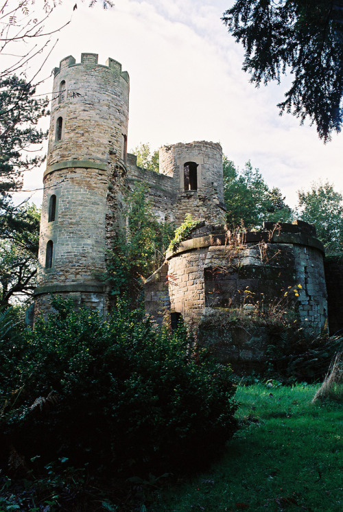 21vines:  Stainborough Castle, South Yorkshire, England (by buildings fan)