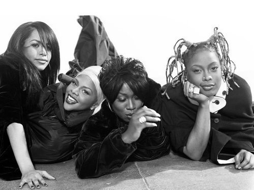 Je suis gouine and I've got all my sistas with me [love to Aaliyah-Lil-Kim-Missy-Elliott-and-Da-Brat].