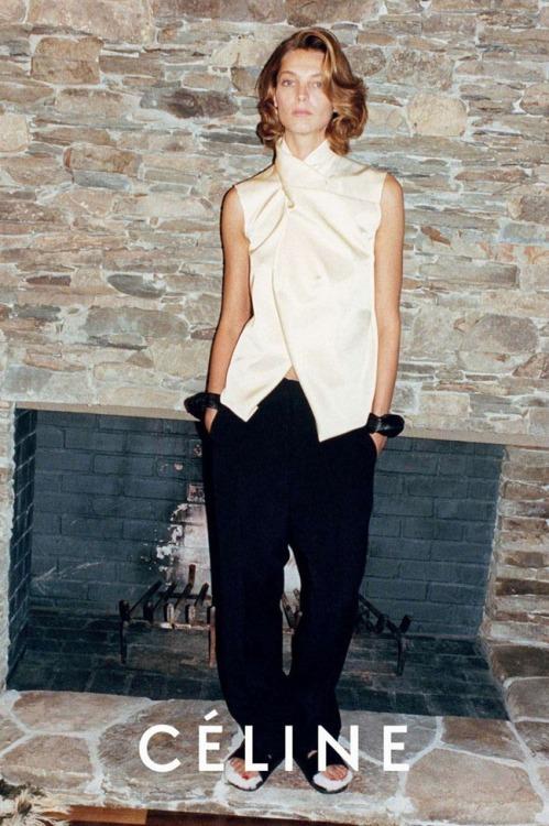 CÉLINE S/S 2013Mod: Daria WerbowyFoto: Juergen Teller #Juergen Teller#Daria Werbowy#Celine#2010s#Campañas#Supermodelos#Fashion #Celine S/S 2013 #Mis cosas