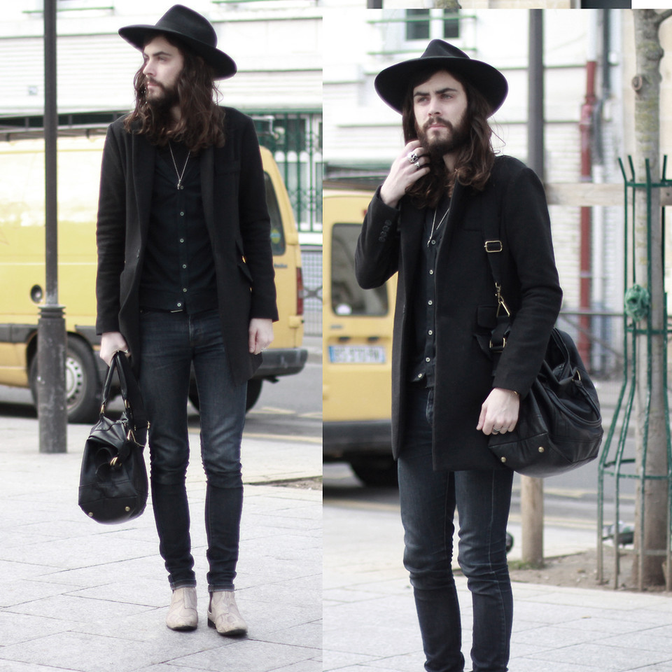 "(via lookbookdotnu) I like this guy (don't). He's like ""Is that you wind?"""