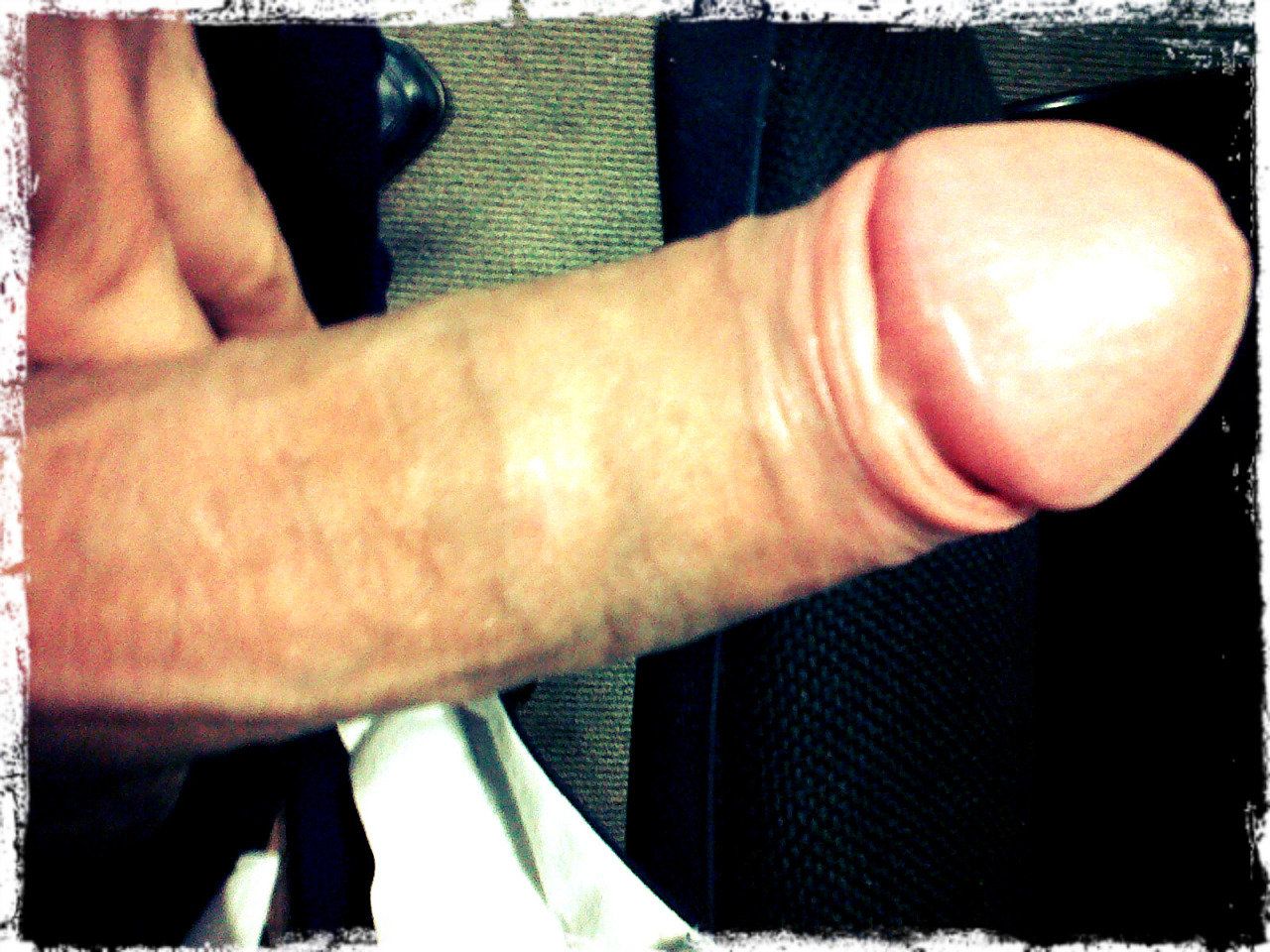 Here's my own cock. Do you guys like it???? Send me a picture of yours as well ;)