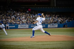 R.A. Dickey introduced Blue Jays fans to his famous knuckleball on Honda Opening Night.  #LoveThisTeam