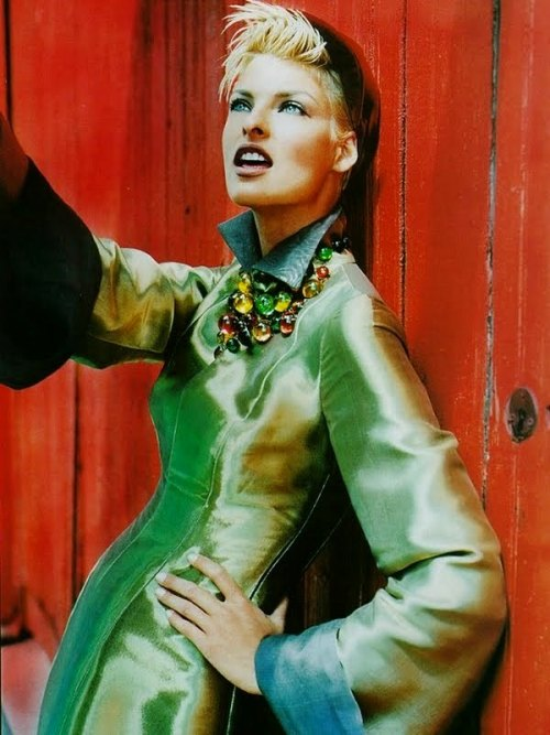 Linda Evangelista by Javier Vallhonratfor Vogue UK, 1991