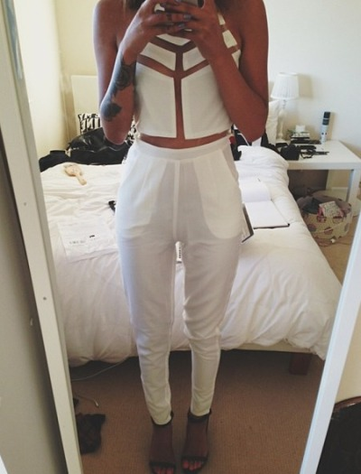 idressmyselff:  ready for diddy's all white party, aha