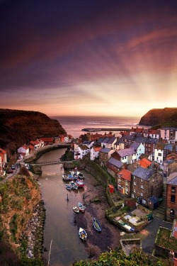 travel-lusting:  Staithes, Yorkshire, England