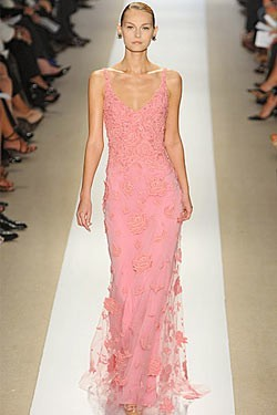 everythingsparklywhite:  Pretty in pink: Monique Lhuillier for the maid-of-honor