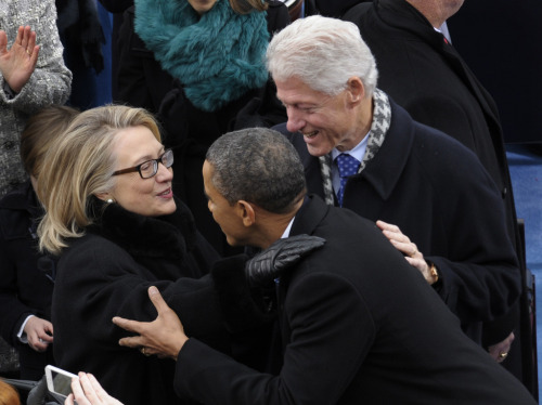 awomansplace:  I spy three presidents.  source