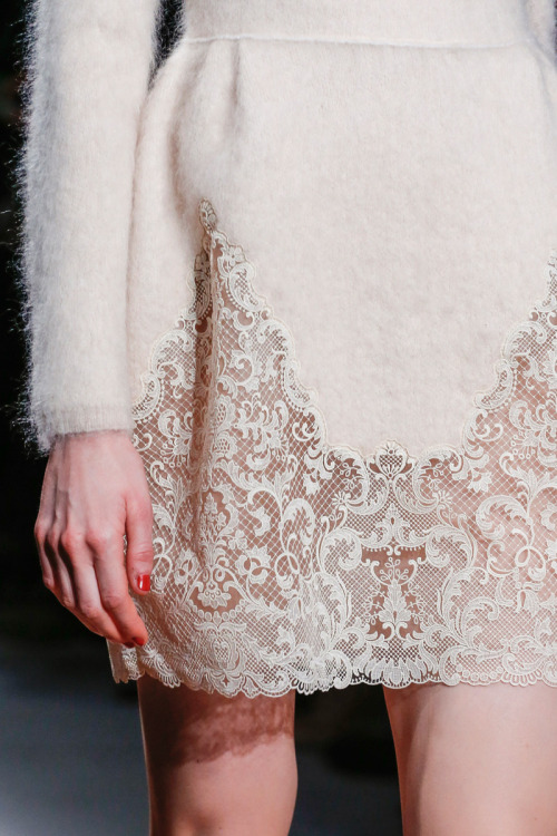 ニットにレース。素敵。 quiethandsquietkiss:  Valentino Fall 2013 RTW