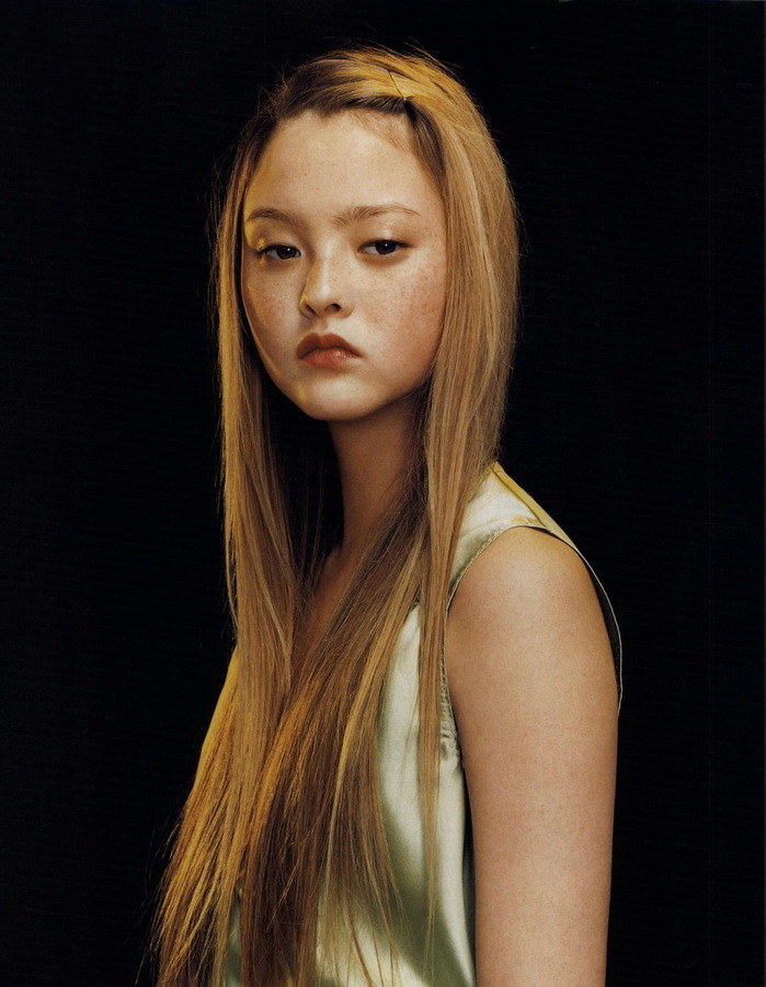 suicideblonde:  Devon Aoki by Lee Jenkins, October 2000
