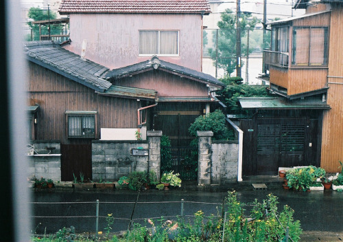 ileftmyheartintokyo:  rainyday by *dapple dapple on Flickr.