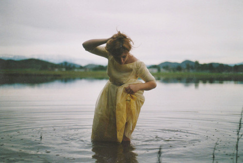 restaurer:  untitled by anna hollow on Flickr.