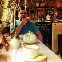 Best way to spend the afternoon: canalboat tea + biscuits with @karlsadler