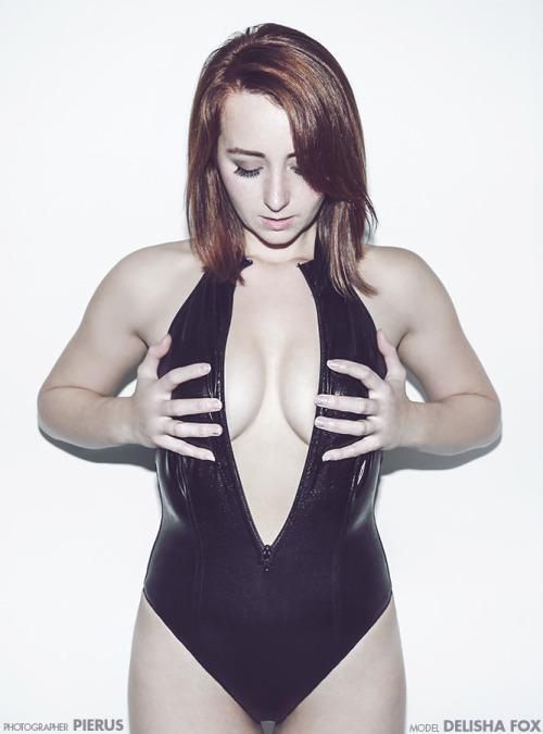 Model: delisha-fox Twitter: @DelishaFox #DelishaFox#redhead#model#cleavage#breasts#leotard#fashion nude