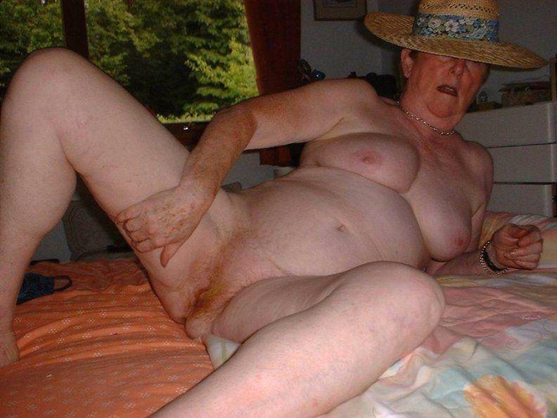фото старушек голые
