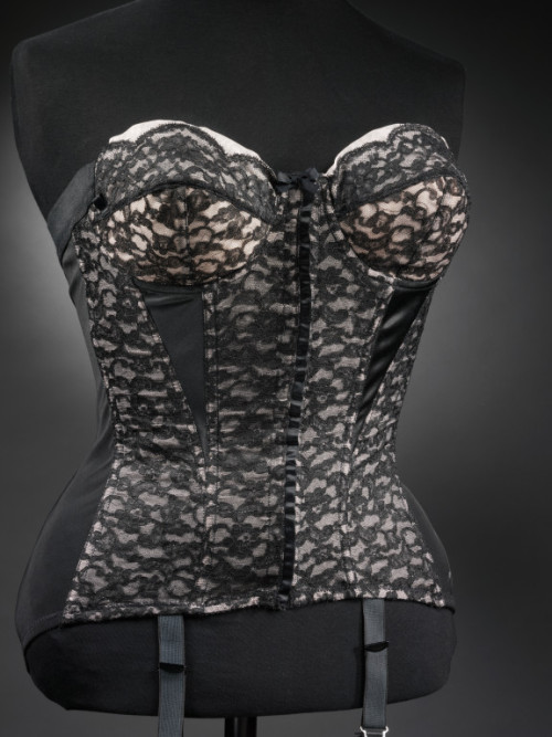 omgthatdress:  Girdle 1955 The Metropolitan Museum of Art The corset made something of a comeback with the tiny, nipped waists of 1950s fashion.  If you want to buy vintage clothing from the 50s, you should invest in some heavy-duty underthings first, if you want to have any hope of finding something that fits.