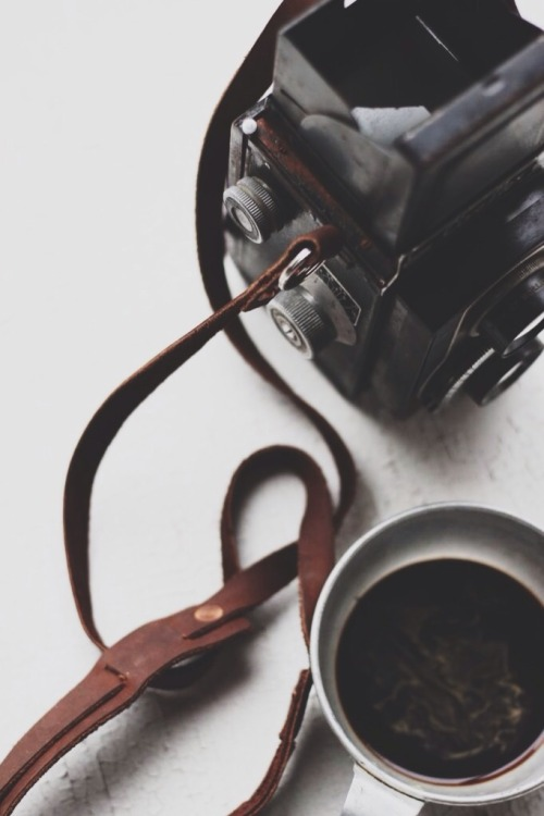 lylaandblu:  TLR x ESPRESSO by L&BFeaturing the beautiful hand crafted, USA made S&BCO leather strap