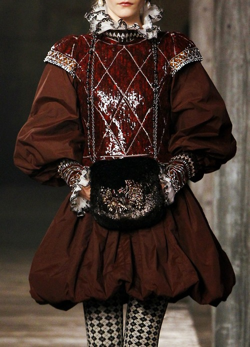 rococo-girls-shrine:  Rococo fashion (Chanel pre-fall 2013) Like haute couture? Follow me!