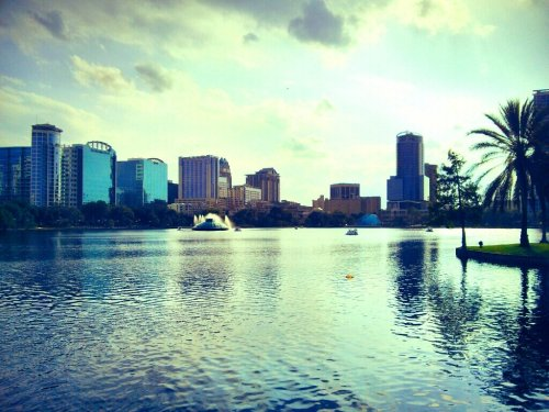 Lake Eola, Downtown Orlando#Florida #orlando #spring #awesome #filtered #afternoon #water(from @wuffster on Streamzoo)