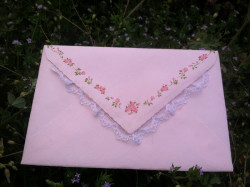 fawnsnow:  isn't this envelope perfect * ^ *