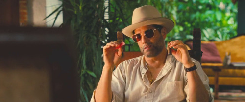 celebritysmokingcigar:Yul VazquezinRunner Runner (2013)