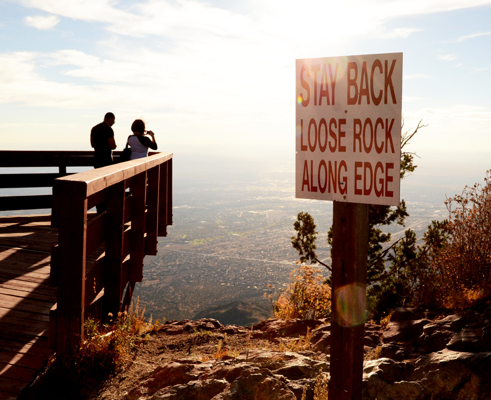 somewhereinnewmexico:  At the edge of the world, Albuquerque, NM