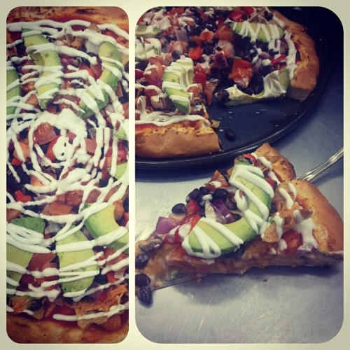 reblogged from janedoughxvx:    #vegan nacho pizza. You have no idea how pissed I am that I'm on a diet. (at Papa Ganache)