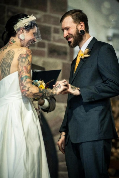 tearcollectors:  wedding like this plz