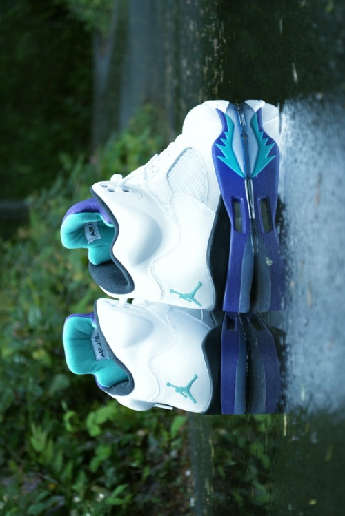 kicksupreme23:  Icy blue Sole <