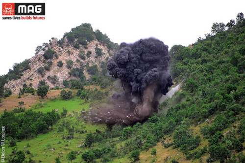 Pic of the Day: A 250kg general-purpose High Explosives bomb is destroyed in northern Iraq   Yesterday's demolition involved an electric initiation, using two VS1.6 anti-tank mines as donor charges to destroy the bomb. The FAB-250 bomb was dropped in 1963 by the Iraqi regime in response to the Kurdish revolution. It was discovered in the village of Shirta in Akre District, Duhok Governorate, by a local man who uncovered it while looking for food. Around 300 people live in the village and were at risk from an accidental detonation.www.maginternational.org/iraq